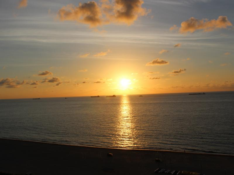Sunrise in Ft. Lauderdale (May 31, 2015)